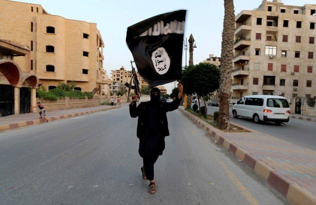 En av fire ungdommer i Skedsmo støtter til en viss grad unge som drar til Syria for å kjempe med våpen. Men det går ikke frem av undersøkelsen om de støtter IS eller IS sine fiender.