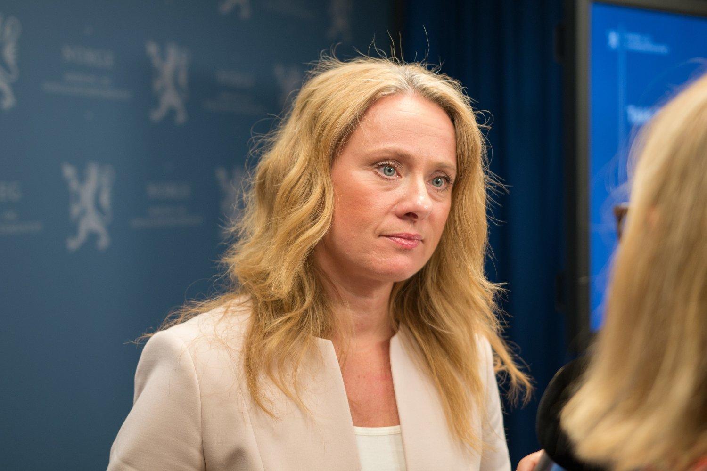 VIL STRAMME INN: - Målet mitt er at utviste personer skal miste retten til ytelser fra folketrygden, sier arbeids- og sosialminister Anniken Hauglie (H).