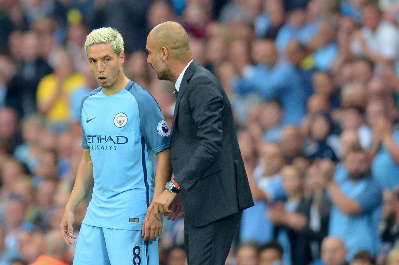 ORD MOT ORD: Manchester City-manager Pep Guardiola (til høyre) sier han ikke har gitt spillerne forbud mot sex. Påstanden stammer fra Samir Nasri, som nå er lånt ut til Sevilla.