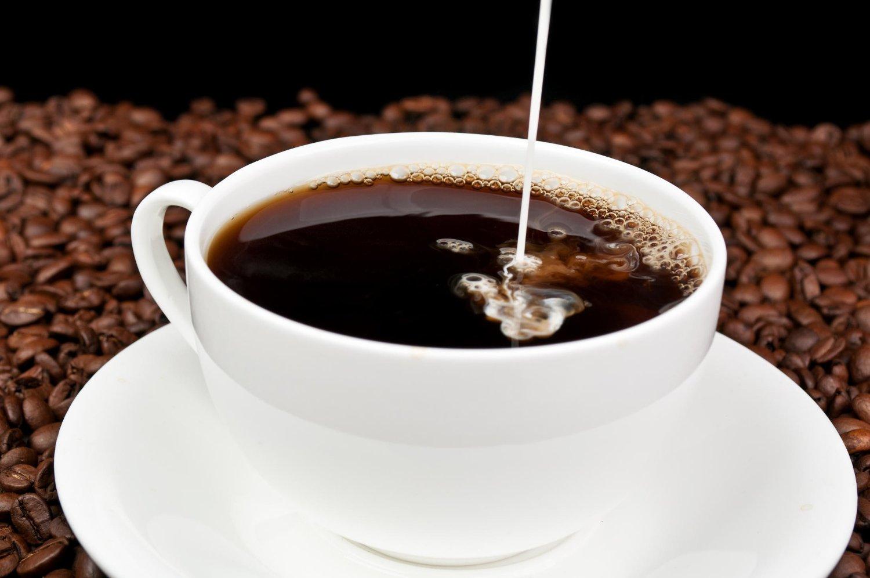 KAFFE-AVHENGIG: Ifølge Alstadhaug øker risikoen for å utvikle kronisk hodepine når man drikker mye kaffe.
