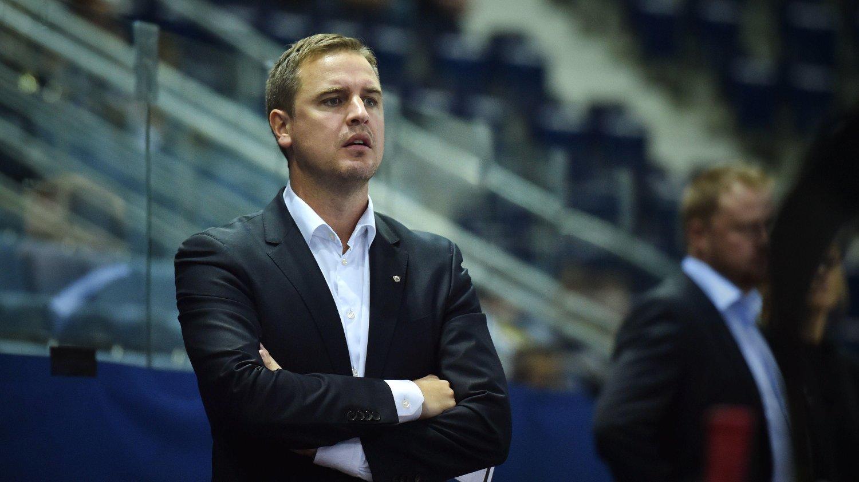 KANDIDAT TIL TRENERPRIS: Linköping-trener Dan Tangnes får anerkjennelse fra kolleger, spillere og svenske ishockeyjournalister.