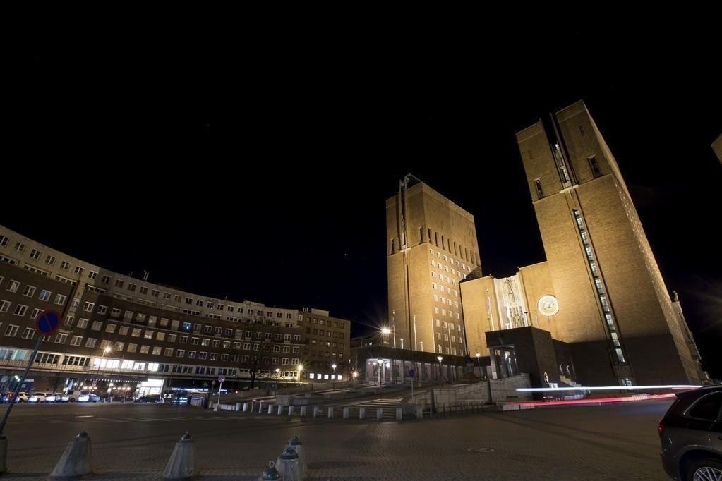 Boligbygg-skandalen i Oslo vokser. Den innleide konsulenten i kjøpsteamet, Geir Fredriksen, og den svenske investoren og snekkeren Carl Thomas Andersson, er siktet for grov korrupsjon.
