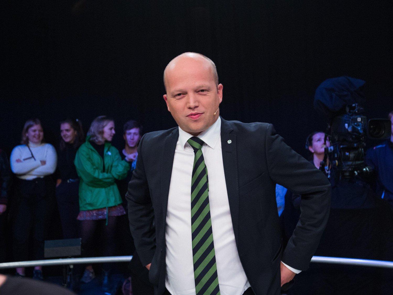 Partileder Trygve Slagsvold Vedum (Sp) er svært fornøyd med å være større enn Fremskrittspartiet på målingen.