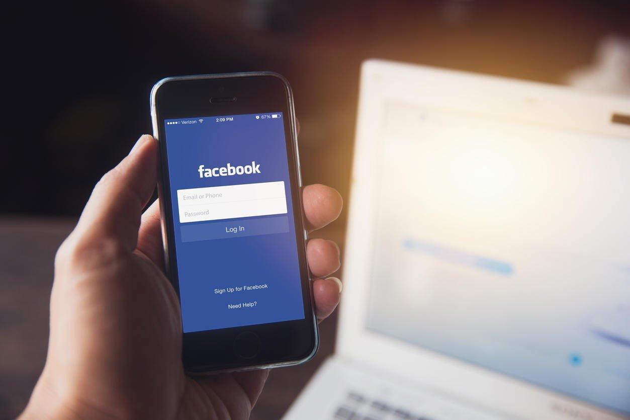 Innlogging til en Facebook-profil kan kjøpes for snaut 40 kroner (5,20 dollar) på det mørke nettet, ifølge en ny rapport utviklet av innholdsmarkedsbyrået Fractl.