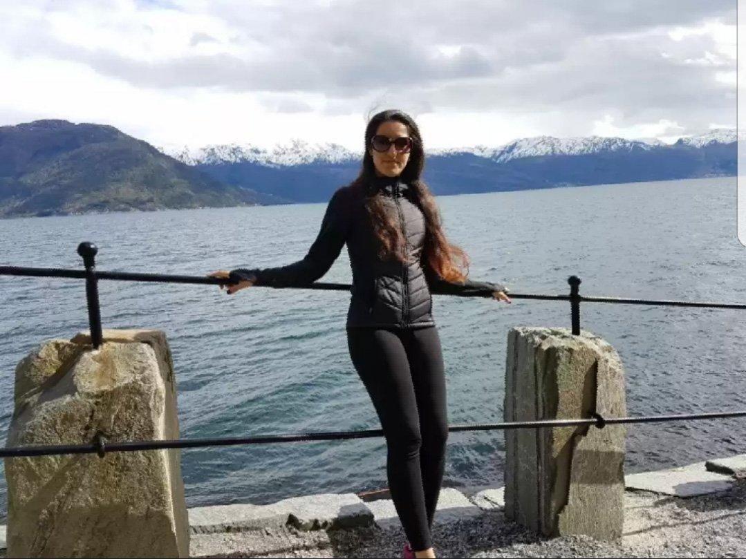 23 år gamle Roya Hashem ble funnet drept på fylkesvei 33 ved Feiring i Eidsvoll.