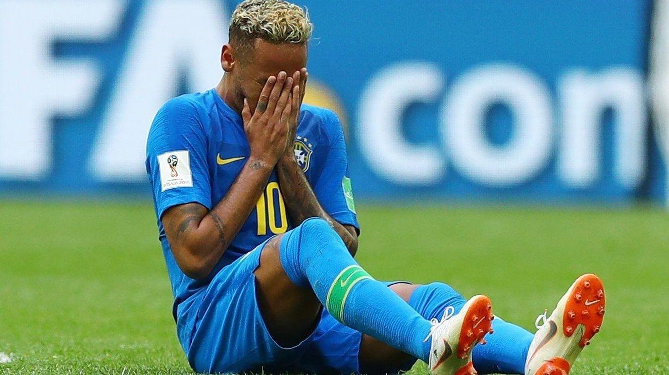 TOK TIL TÅRENE: Neymar viste følelser etter fredagens oppgjør mot Costa Rica.