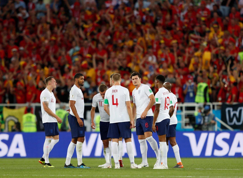 dfc66457 DEPPER: De engelske spillerne depper etter at Adnan Januzaj har gitt Belgia  ledelsen i kampen
