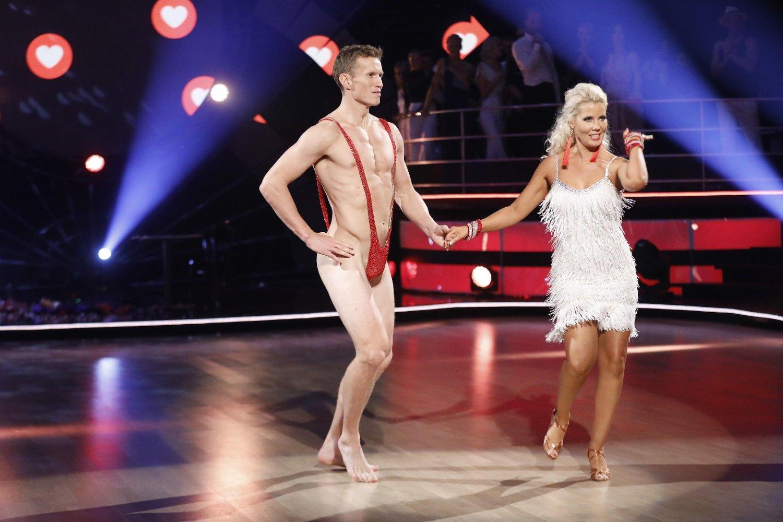 Nakenstuntet til Frank Løke skapte sjokk for TV 2, dansepartneren og seerne. Søndag hadde de to et oppvaskmøte.