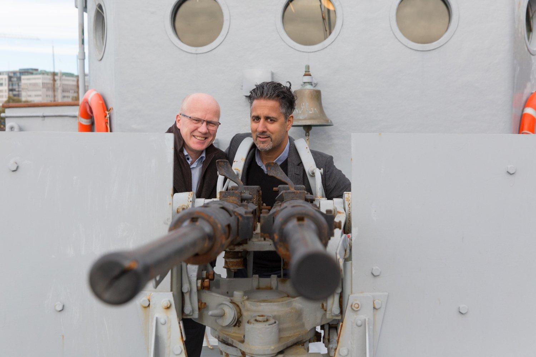 Høyres Hårek Elvenes og Venstres Abid Raja er opptatt av at et godt sjøforsvar er avgjørende for å sikre vår suverenitet.