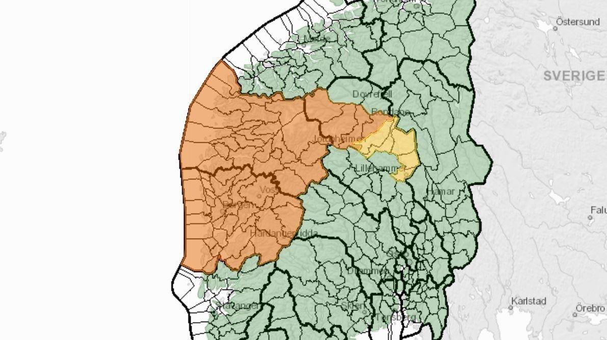 FAREKART: For Hordaland, Sogn og Fjordane og Ottavassdraget i Oppland er det varslet flomfare på oransje nivå - det nest høyeste nivået.