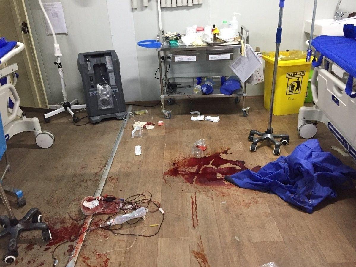 Kirurg Kathrine Holte er én av flere hundre leger og kirurger som har lagt ut bilder på sosiale medier, for å vise virkeligheten bak skytevåpen-relatert vold.