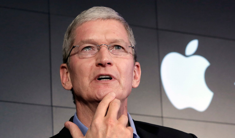 APPLE: Tim Cook er adm. dir i Apple. Han kan smile bredt over en feit lønnsbonus.