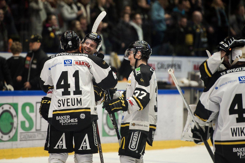 0ba2bf6f Markus Søberg ble straffehelt da Stavanger Oilers vant toppoppgjøret mot  Vålerenga. Foto: Carina Johansen