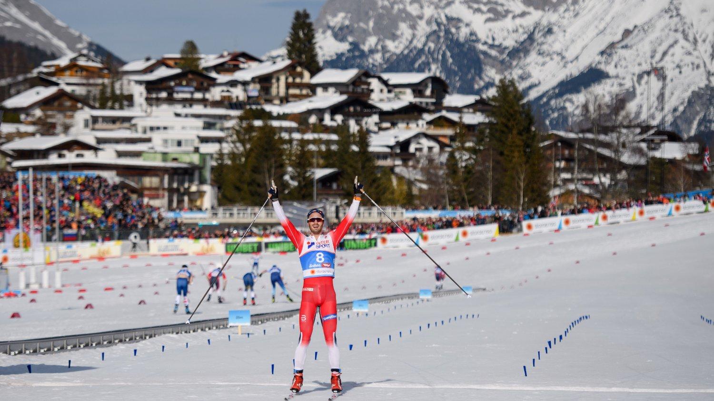 FEMMILSKONGEN: Hans Christer Holund overrasket stort og tok VM-gull.