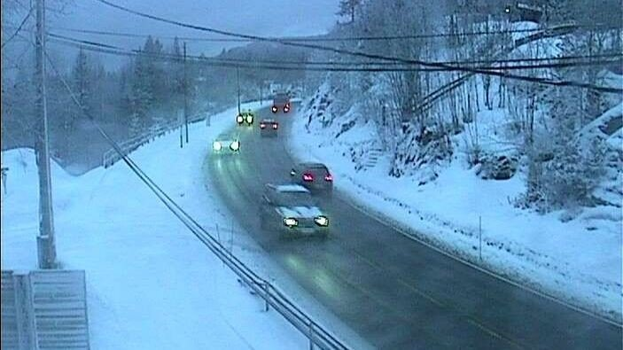 AKERSHUS/BUSKERUD: E16 over Sollihøgda onsdag morgen.