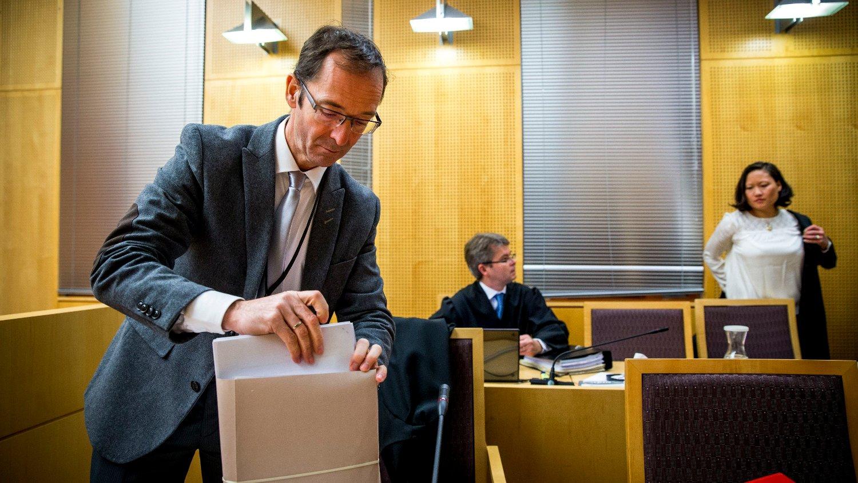 256 FORNÆRMEDE: Statsadvokat Carl Graff Hartmann sier at mannen i 40-årene er tiltalt for nettovergrep mot 256 barn og unge.