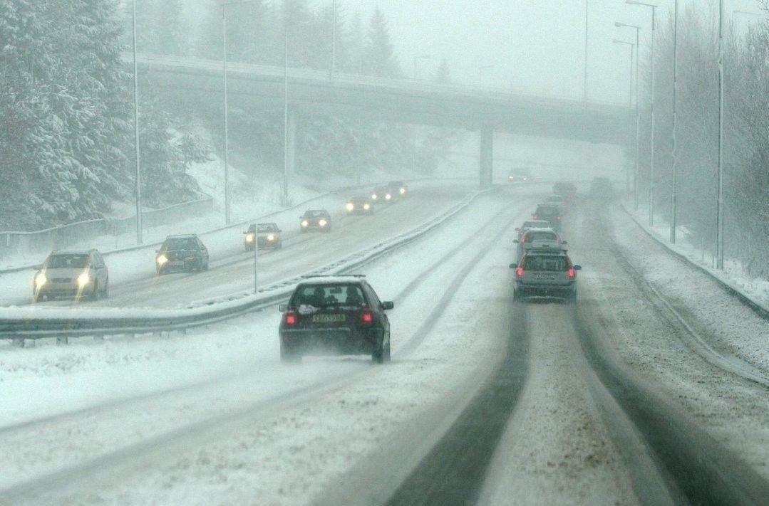 SNØEN KOMMER: Vinteren vender tilbake mandag. Her fra tidligere i år.