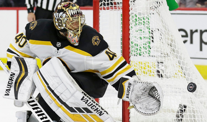 Boston Bruins keeper Tuukka Rask var helt umulig å overliste torsdag. Foto: Gerry Broome, AP / NTB scanpix