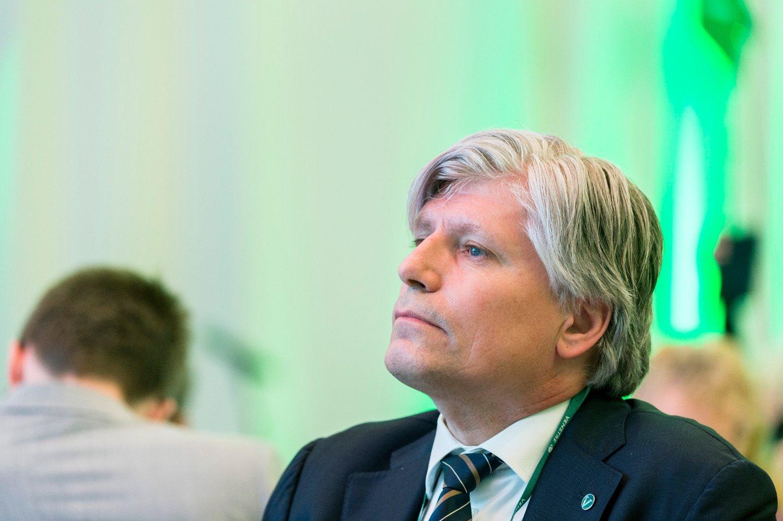 UENIG: Brasils miljøminister Ricardo Salles mener at Norges milliardbidrag i arbeidet mot avskogingen av Amazonas-regnskogen har vært bortkastet. Klima- og miljøvernminister Ola Elvestuen (V) er uenig i at fondet har mislyktes. Foto: Ned Alley / NTB scanpix