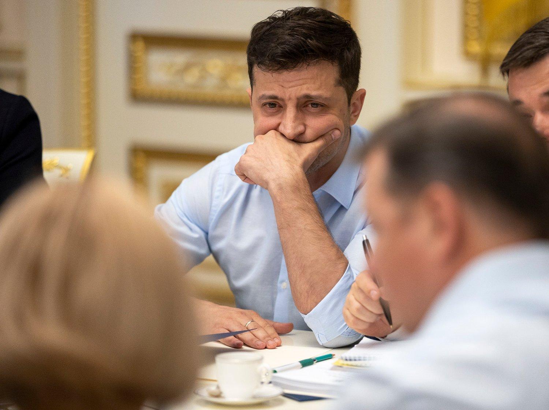 Madaxweynaha Ukrain Volodymyr Zelenskyj oo xubno xildhibaano ah kula shirayey Kiev goor sii horeysay. Foto: Ukrainas presidentkontor via AP / NTB scanpix Foto: (NTB scanpix)