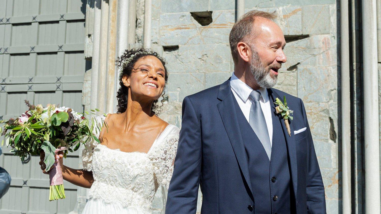 10 KG LETTERE: Etter fem år som par ble Haddy N'Jie og Trond Giske endelig kone og mann. Etter påsken 2019 la Giske om livsstilen, og dermed raste kiloene av.