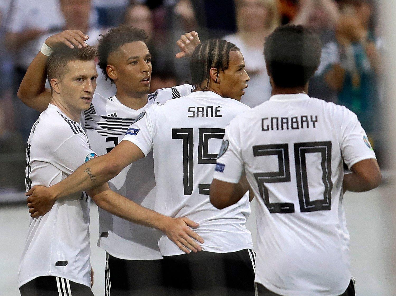 Hjemmepublikummet i Mainz kunne juble over mange tyske scoringer mot Estland. Foto: Michael Probst / AP / NTB scanpix