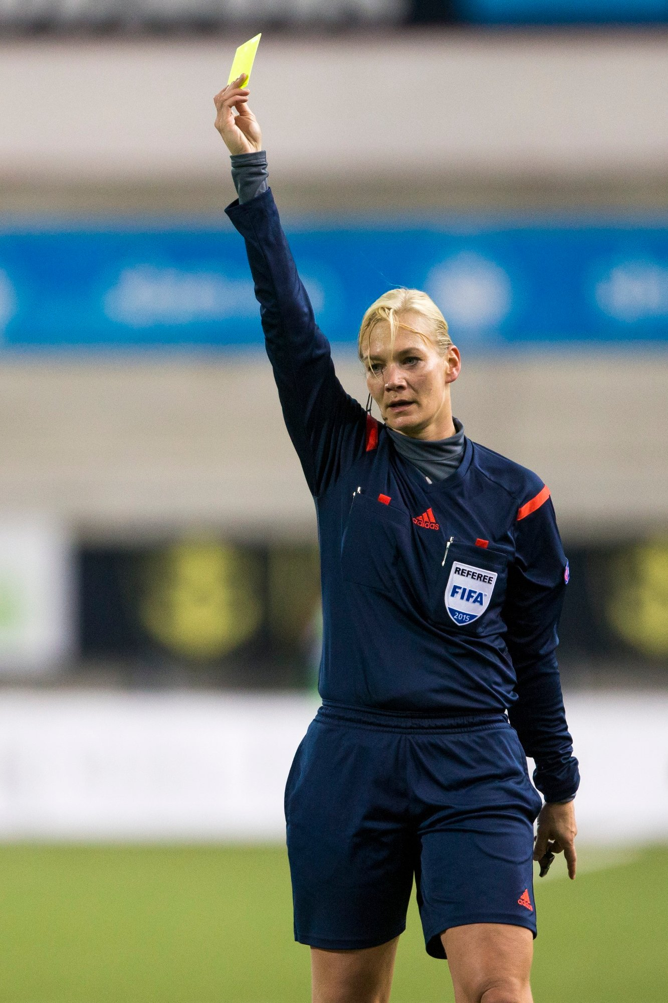 Bibiana Steinhaus dømmer VM-kampen mellom Frankrike og Norge onsdag. Foto: Svein Ove Ekornesvåg / NTB scanpix