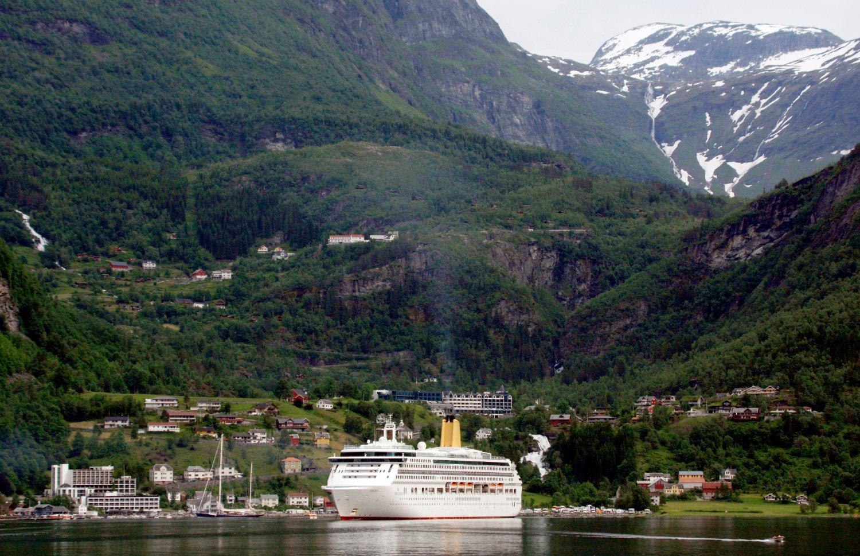 I 2017 trafikkerte 110 cruiseskip i norske farvann. Her fra Geiranger i Møre og Romsdal. Foto: Paul Kleiven / NTB scanpix