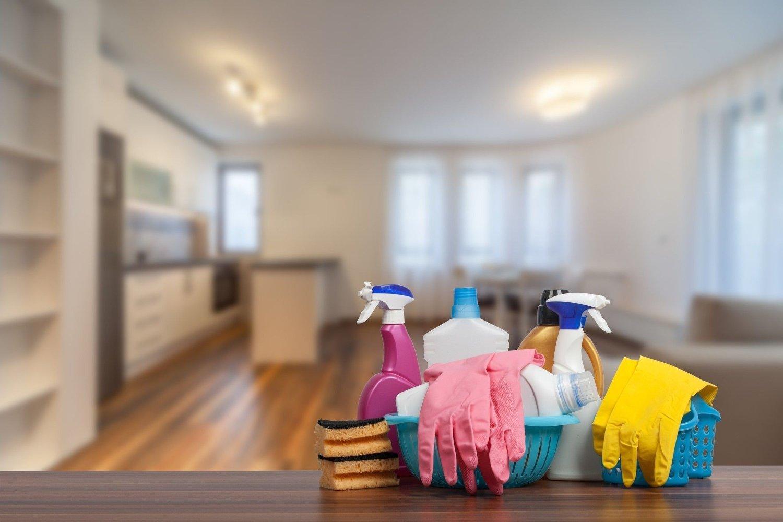 PLAST: Alt du har av plastikk i hjemmet kan bidra til at du puster inn mikroplast gjennom hele dagen når du går hjemme.