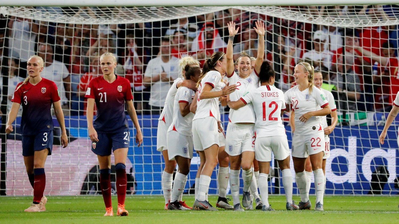 5885dc4f4 fotball-VM kvinner , Kvinnelandslaget | Lucy Bronze fikk herje mot ...