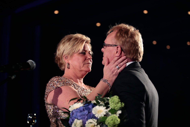 DEN GANG, DA: Partileder Siv Jensen hedret avtroppende Per Sandberg under en middagen på Frps landsmøte.
