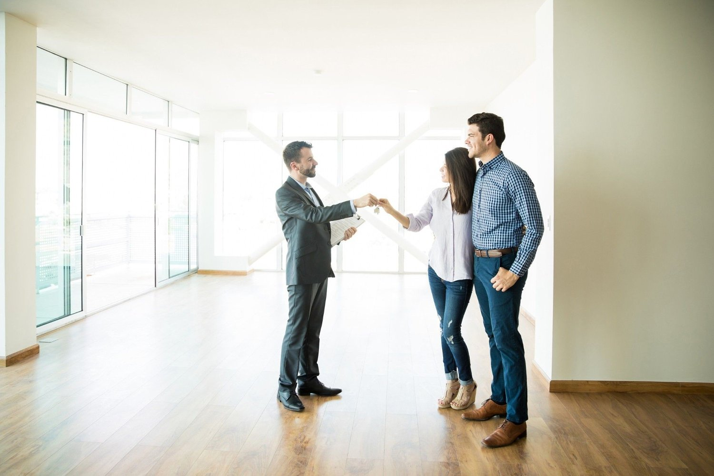 Svært mange boligselgere tror at eiendomsmeglingsloven er laget for å beskytte dem mot problemer og konflikter i forbindelse med boligsalget. Det er ikke riktig.