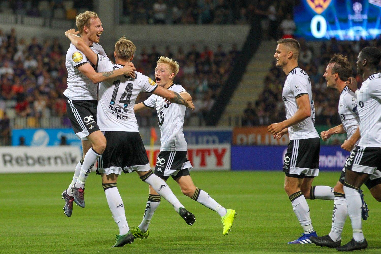 RBK-JUBEL: Alexander Søderlund har gitt Rosenborg ledelsen 2-0 i bortekampen mot Maribor. I kveld spilles returoppgjøret på Lerkendal.Foto: Primoz Lovric / NTB scanpix