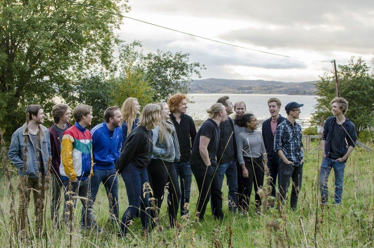 Her er høyst trolig mye av fremtida til norsk jazz samla - det seineste kullet på Sund Folkehøgskole.