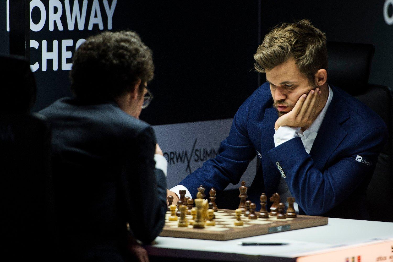Magnus Carlsen leverer varierende spill i hurtig- og lynsjakkturneringen i USA og er langt bak lederen. Foto: Carina Johansen / NTB scanpix