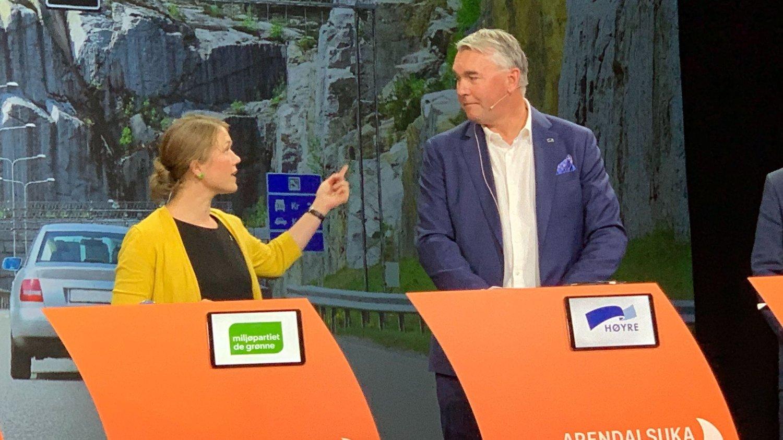 REAGERER: Nasjonal talsperson i MDG, Une Bastholm, irettesatte umiddelbart Høyres parlamentariske leder, Trond Helleland, under denne bompengedebatten i Arendal tirsdag.