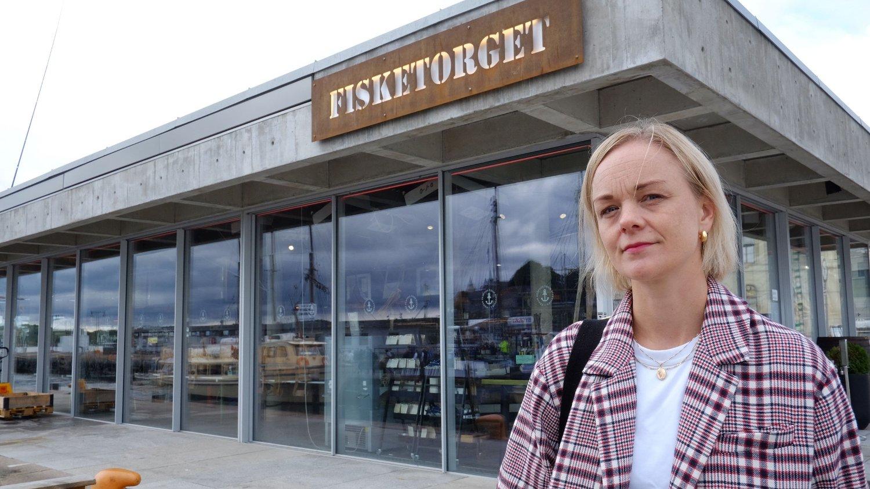 SKUFFET: - Byen ønsket seg et levende fisketorg, det var ikke dette vi så for oss . Det skulle være en åpen og tilgjengelig plass. Jeg er veldig skuffet! sier Ingvild Reymert, nå nestleder i Oslo SV, som satt i bystyret da planene om fisketorget ble enstemmig vedtatt.