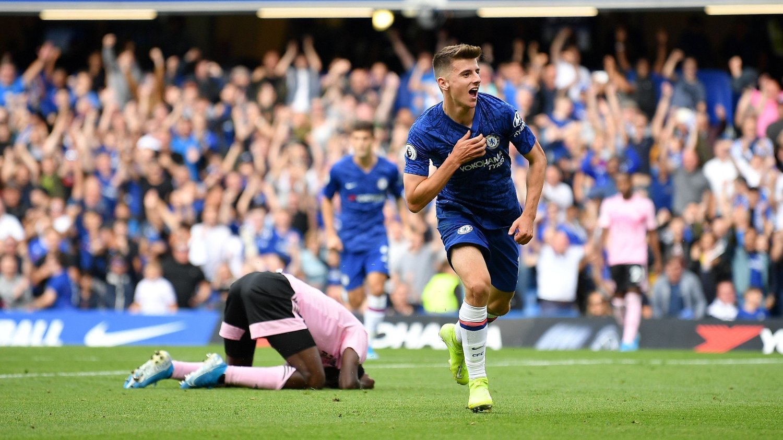 1-0: Her har Mason Mount nettopp satt inn 1-0 for Chelsea mot Leicester etter en strålende enkeltmannsprestasjon.