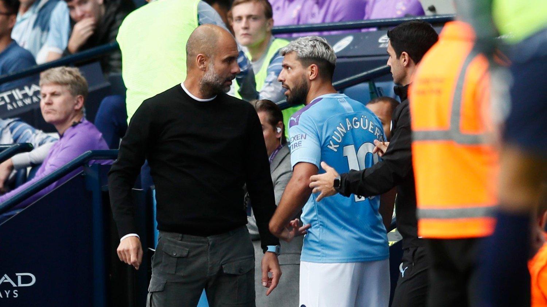DÅRLIG STEMNING: Sergio Agüero var overhode ikke fornøyd med å bli byttet ut av Pep Guardiola.