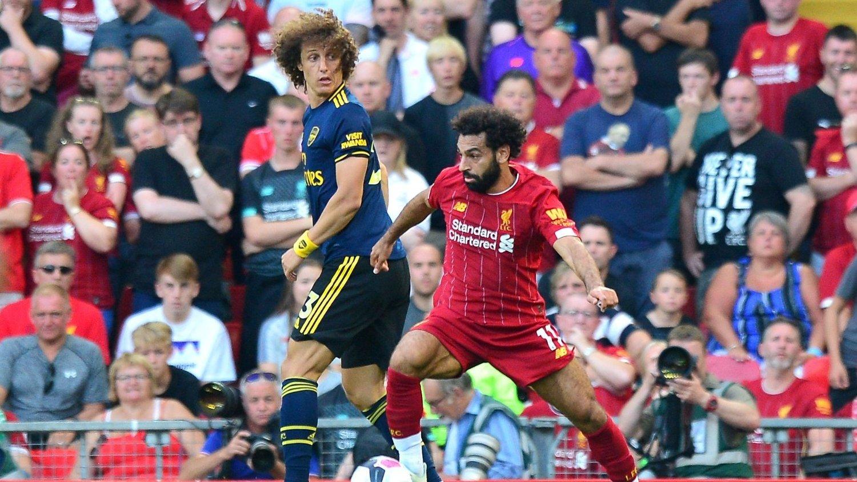 DUELLER: David Luiz og Mohamed Salah var i flere dueller da Arsenal møtte Liverpool på Anfield.
