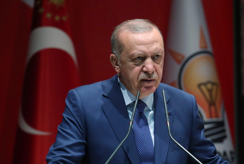 Tyrkias president Recep Tayyip Erdogan spisset budskapet og la press på Europa for å få hjelp til å håndtere flyktningbyrden da han holdt en tale til partifeller torsdag. Foto: AP / NTB scanpix