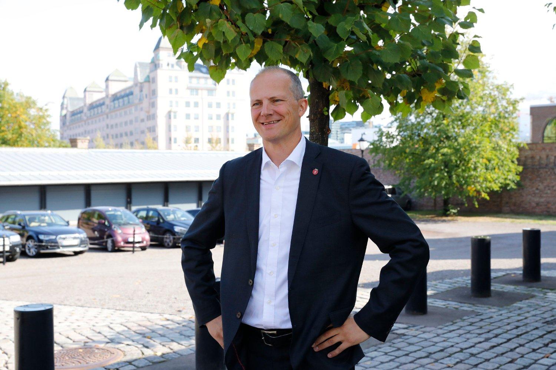 Tidligere samferdselsminister Ketil Solvik-Olsen (Frp) mener fortsatt mye om mangt og sitter ikke stille på sidelinjen. Foto: Gorm Kallestad / NTB scanpix