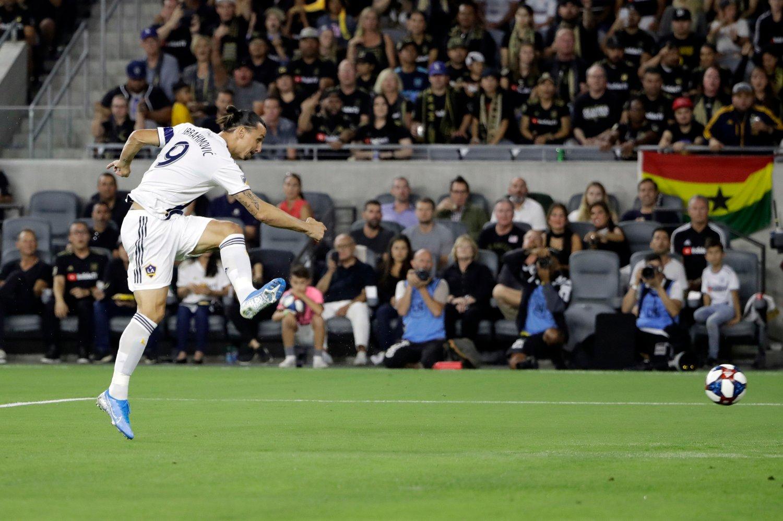 Zlatan Ibrahimovic og Jørgen Skjelvik på LA Galaxy tapte 1-2 borte mot Colorado i MLS onsdag. Kampen om en plass i sluttspillet hardner til. Foto: Marcio Jose Sanchez / AP / NTB scanpix