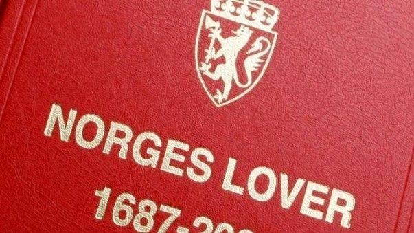 Boken som inneholder Norges lover