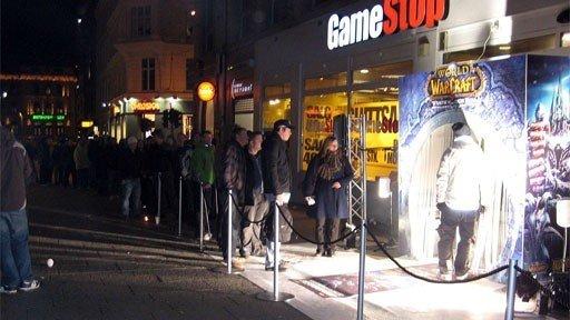 Netthandel slår beina under Gamestop, som legger ned sine butikker i Norden.