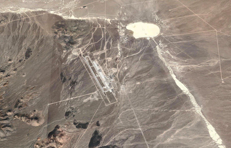 Satellittbilde av Tonopah Test Range Airport (TTR).