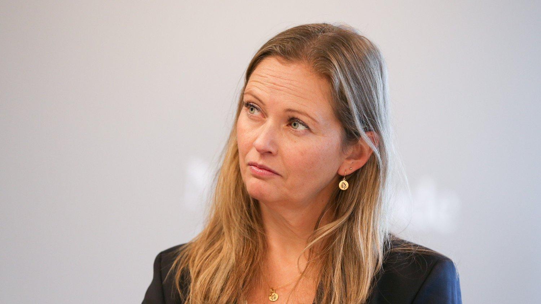DYRERE: Snart kan togbilletten bli dyrere. Administrerende direktør Cathrine Elgin i Go-Ahead håper at det ikke skjer.