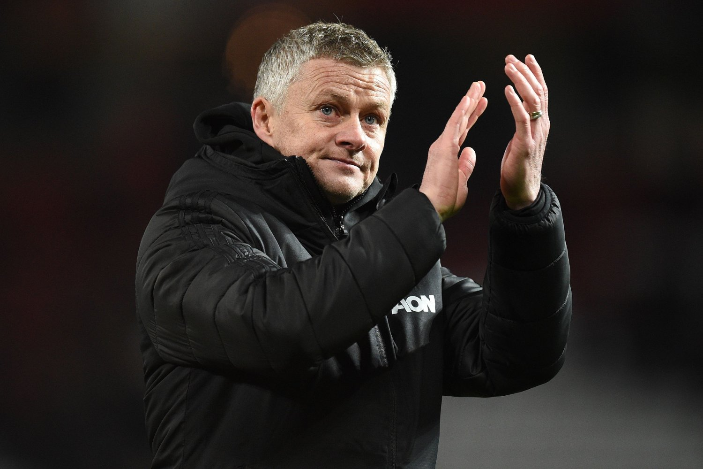 - SITTER TRYGT: Manchester United-manager Ole Gunnar Solskjær.