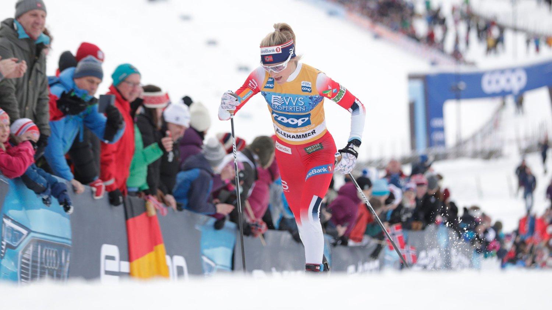 Lillehammer 20191207. Norges Therese Johaug under kvinnenes verdenscup 15 km skiathlon på Birkebeineren skistadion i Lillehammer.