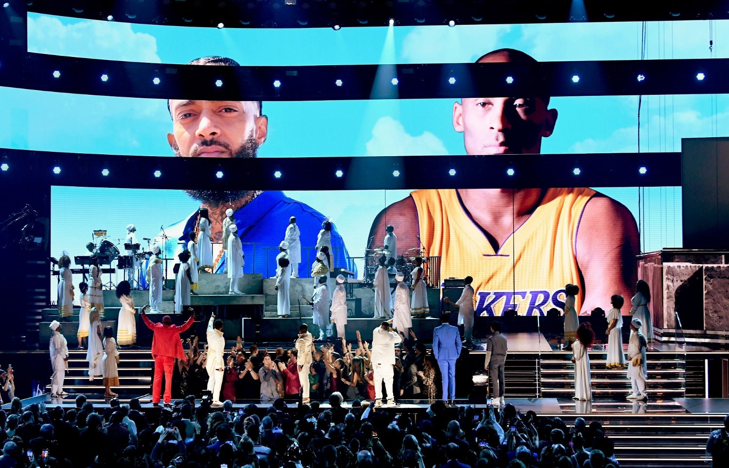 62nd Annual GRAMMY Awards - Show LOS ANGELES, CALIFORNIA - JANUARY 26: Images for the late Nipsey Hussle and Kobe Bryant are projected onto a screen while YG, John Legend, Kirk Franklin, DJ Khaled, Meek Mill, and Roddy Ricch perform onstage during the 62nd Annual GRAMMY Awards at STAPLES Center on January 26, 2020 in Los Angeles, California. Kevin Winter/Getty Images for The Recording Academy /AFPMeek Mill == FOR NEWSPAPERS, INTERNET, TELCOS & TELEVISION USE ONLY ==